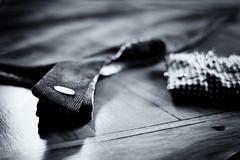 Finition (Fabrice JAUME) Tags: noiretblanc main couture bois vie coudre cration chaleur aiguille
