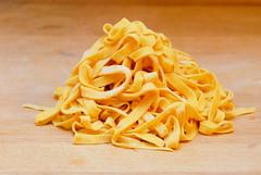 Home made Tagliatelle (Markus Reinhardt) Tags: wood yellow egg pasta homemade eggs flour tagliatelle