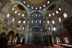 Sokollu Mehmet Paa Inside (NATIONAL SUGRAPHIC) Tags: istanbul mosques fatih mimarsinan camiler sokollumehmetpasha ottomanhistory sokollumehmetpaa sultanselimii sokollumehmetpashamosque osmanltarihi ottomanmosques sokollumehmetpaacami sugraphic osmanlcamileri
