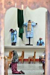 Guatemala. Iglesia de Santiago Atitlán. Oración. Explore 23 de enero de 2014 (Cesar Catalan) Tags: lago guatemala iglesia atitlán mayas indigenas oracion lagoatitlán santiagoatitlán tzutuhil