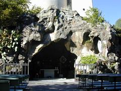 La Grotta di Cannero, dedicata alla Madonna di Lourdes.