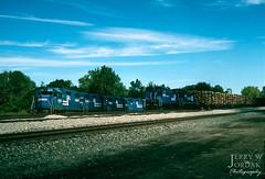 Got Pulpwood? (jwjordak) Tags: sw1500 trees pulpwood 9500 gp382 8096 flatcar cr conrail train erie pennsylvania unitedstates us