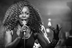 Manuela Nelom @ POGS Fuengirola (Javier Palacios Prieto) Tags: singer music live curly hair microphone concert black girl woman