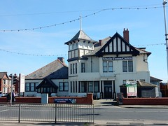 In need of TLC... Uncle Tom's Cabin, Blackpool (deltrems) Tags: pub bar inn tavern hotel hostelry house restaurant promenade blackpool lancashire fylde coast north shore uncletomscabin uncle toms cabin