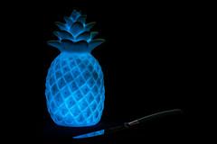 Blananas (MagnusBengtsson) Tags: fs170319 ovanlig fotosondag ananas kniv mörk svart dark black stilleben stillife