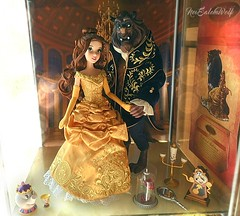 **Disney Designer Fairytale Collection: Belle and the Beast ** (NєωSαℓємWσℓƒ ♛) Tags: disney designer fairytale collection limited doll dolls beast belle beauty gaston movie magic rose mirror lumiere potts chip diorama