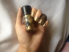 Holla-Deck (MAC) (Daniela nailwear) Tags: mãofeita esmaltes esmalteimportado foil dourado startrek holladeck mac