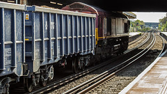 JNA 81 70 5500 330-2 (JOHN BRACE) Tags: jna 81 70 5500 3302 vtg blue livery passing horley 1321 loaded sand train from cliffe brett marine crawley foster yeoman running 5 early