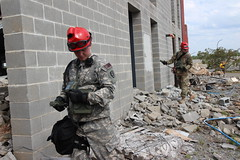 170330-Z-RJ503-012 (Kentuckyguard) Tags: kyng kentuckyguard kyarng kyafng vigilantguard vg17 search extraction recon