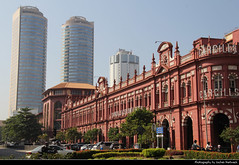 Cargills Department Store & World Trade Centre, Colombo, Sri Lanka (JH_1982) Tags: cargills department store colonial architecture victorian style world trade centre center wtc skyline cityscape urban urbanity building buildings landmark historic facade red bank ceylon boc colombo කොළඹ கொழும்பு 可倫坡 コロンボ 콜롬보 коломбо كولمبو कोलंबो sri lanka ශ්‍රී ලංකා இலங்கை 斯里蘭卡 スリランカ 스리랑카 шриланка سريلانكا श्रीलंका ประเทศศรีลังกา
