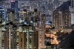 Devil's Peak, Hong Kong (mikemikecat) Tags: yautong 油塘 devils peak hong kong mikemikecat scenery cityscapes 香港 九龍灣 fe70200mf4goss sel70200g sony a7r 魔鬼山 天際線 twilight nightscape nightview night 夜景 yau tong 城市 天空 housing publichousing