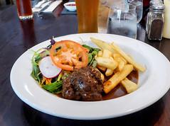 photo - Meatball, Settlers Restaurant (Jassy-50) Tags: photo arrowtown newzealand settlersbarrestaurant settlersrestaurant settlers restaurant belgianmeatball meatball beef salad food meal