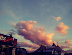 Candy floss clouds in Leeds (lenahphotos) Tags: leeds leedfestival pinkclouds orangeclouds bluesky tents