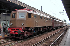 Il treno commemorativo degli 80 anni della grande galleria dell'Appennino (Ernesto Imperato - Firenze (Italia)) Tags: e428 fs ferroviedellostato direttissima prato bologna vernio vaiano galleria appennino canon eos 7d