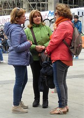 three graces (art crimes) Tags: freinds threegraces colour talking shopping meeting barcelona espana
