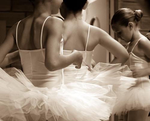 Avant... (Nadia L*) Tags: danse dance sepia girls filles gala tutus