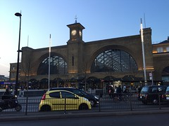 Kings Cross railway station, Euston, London.  March 27 2017. (Dan Haneckow) Tags: 2017 kingscross london depots