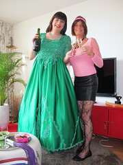 Champagne (Paula Satijn) Tags: girl dress gown green skirt satin silk silky shiny ballgown gurl tgirl happy smile joy friends champagne