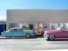 P3150013 (Francisco.Pimentel) Tags: ford cadillac route 66 pimentel diorama maquete restaurant sun outdoor olimpus miniature diecast 1955 1954