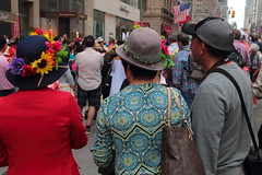 IMG_6924 (neatnessdotcom) Tags: easter bonnet parade 2017 hats costumes new york city 5th avenue manhattan nyc tamron 18270mm f3563 di ii vc pzd canon eos rebel t2i 550d