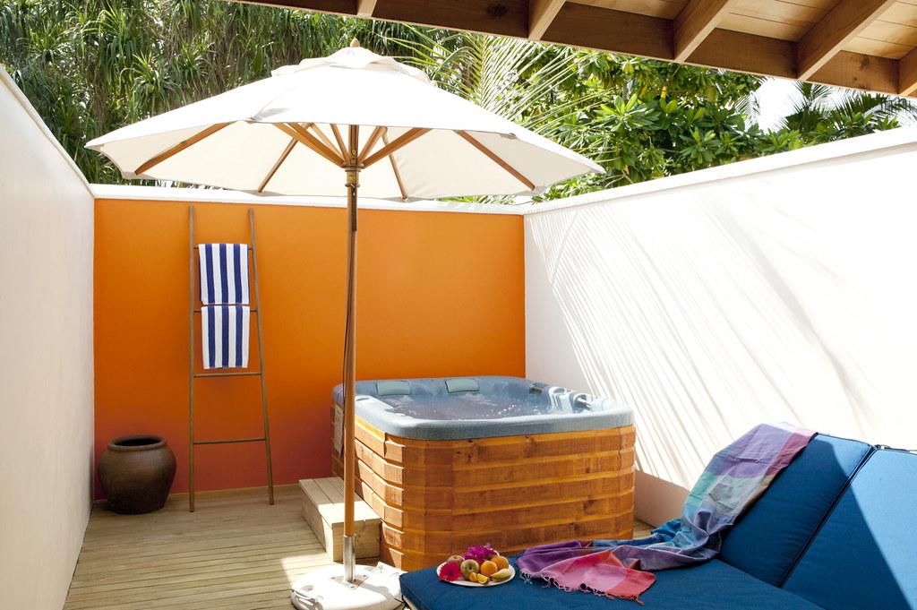 Jacuzzi Beach Villa - Jacuzzi Area