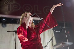 "Austra - Sala Apolo, abril 2017 - 3 - M63C1816 • <a style=""font-size:0.8em;"" href=""http://www.flickr.com/photos/10290099@N07/33992335165/"" target=""_blank"">View on Flickr</a>"