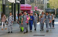 IMG_4065R (leroux.maximilien62) Tags: caen france normandie normandy calvados carnaval costume cec20 carnival karneval bagne bagnard convict lunettes brillen sonnenbrillen rayures stripes