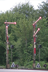 IMGP9216 (Alvier) Tags: deutschland norddeutschland nordfriesland niebüll neg db bahnhof eisenbahn dampflok eisenbahnsignal diesellok