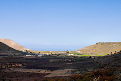 Contrast (simonturkas) Tags: lanzarote canaryislands explore adventure travel islascanarias latitudeoflife latituddevida wanderlust excursion panasonic lumix landscape