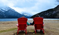 Paradise (Janine A. Acherman) Tags: janine a acherman parents love chair chairs red blue green photography lake waterton canada