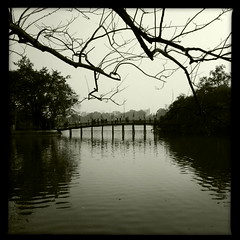 sword lake (troutfactory) Tags: bridge digital square temple vietnam hanoi hoankiemlake swordlake ipod5 nngcsn hipstamatic templeofthejademountain