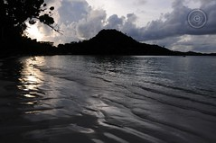 Praslin Island, Seychelles (Wioletta Ciolkiewicz) Tags: sunset island indianocean seychelles archipelago île praslin archipel wyspa archipelag océanindien oceanindyjski seszele wiolettaciolkiewicz