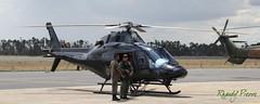 Helicptero Polcia Militar de Gois (Rhandy Pierre) Tags: brasil soldado helicptero gois polcia aeronave