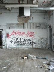afroe and pose 3 (httpill) Tags: streetart chicago art pose graffiti tag graf rip msk 42 kym afroe