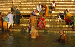 Varanasi, hindu bath Ganges (xabyjordi) Tags: india delhi goa agra varanasi mumbai hindu jaipur jaisalmer udaipur jodhpur puskar sikar salasar