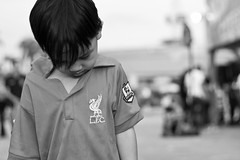 You'll never walk alone (Farishdzq) Tags: liverpool kid sad malaysian bnw lfc