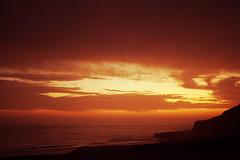 Atardecer dorado (Marcos GP) Tags: sunset sun sol peru atardecer cloudy arequipa ocaso caida cayendo marcosgp