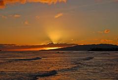 Afterglow (jcc55883) Tags: ocean sunset sky clouds hawaii nikon oahu horizon magicisland pacificocean honolulu alamoana alamoanabeachpark yabbadabbadoo d40 nikond40 ainamoana