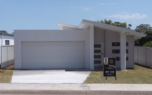 1/16 Bagnall Avenue, Soldiers Point NSW
