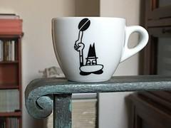 Día 207 | Arriba (Chimista) Tags: iphone iphone6splus 365coffeeroad café taza jaén baranda bialetti