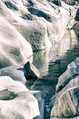 Specchio ghiacciato - ice, rocks and a mirror (Silvio Spaventa - Spav'68) Tags: svizzera suisse cantonticino svizzeraitaliana valverzasca verzasca ch lavertezzo rocce rocks creek torrente torrenteghiacciato icedcreeck ghiaccio ice white bianco inverno winter nikon d90 spav68