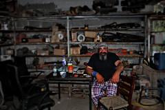 man at work (Love me tender ♪¸.•*´¨´¨*•.♪¸.•*´) Tags: dimitrakirgiannaki photography greece greek nikond3100 ταξιαρχησ ευβοια ανθρωποι εργασια εργαλεια ελλαδα 2017 ταξιδι travel people hdr blur tools colora colors