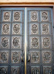St. Francis Basilica, Santa Fe (honestys_easy) Tags: nm newmexico santafe southwest madrid architecture sculpture churches