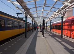 Station Leeuwarden (Jeroen Hillenga) Tags: leeuwarden stad station treinen friesland fryslân netherlands nederland trains perron