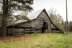 Old Barn - Greenwood Co. S.C. (DT's Photo Site - Anderson S.C.) Tags: canon 6d 24105mmf4l greenwoodsc upstate southcarolina barn rural country road southern america vanishing vintage landscape farm rustic pastoral southernlife scenic pasture
