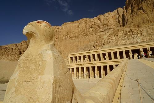 Temple de la reine Pharaon HATSHEPSUT