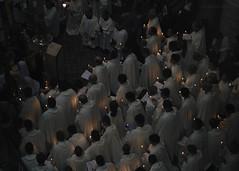 (David Mor) Tags: jerusalem holysepulchre holyweek catholic candles christ church pontificalmass awaitingforthestar resurrection goldenlight holyfire holylight