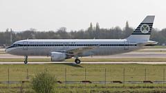 Aer Lingus Airbus A320-200 EI-DVM (atcogl - ATC @ YYZ) Tags: lgw egkk gatwick london westsussex uk unitedkingdom england britain greatbritain aircraft airliner airplane aeroplane plane jet aviation avion flugzeug canon eos 5dmarkiv 100400f4556lismarkii ei ein shamrock aerlingus eidvm airbus a320200 a320 retro special livery