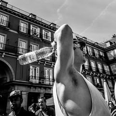 _DSF2104 (Antonio Balsera) Tags: bw bn plazamayor botella gente madrid comunidaddemadrid españa es