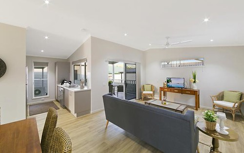 2/1 Gordon Young Drive, South West Rocks NSW 2431